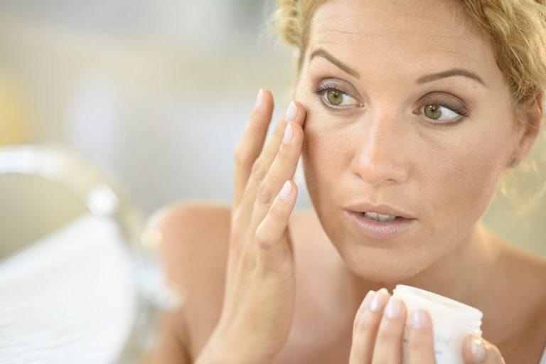 10 щоденних звичок роблять шкіру обличчя жирної