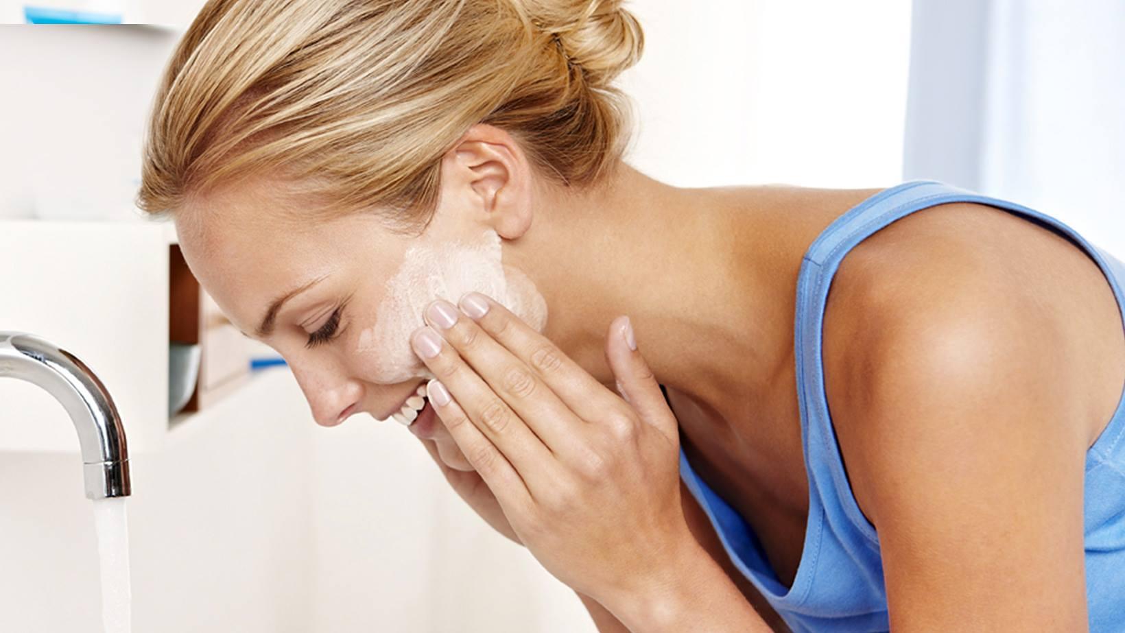 13 життєвих помилок роблять шкіру сухою