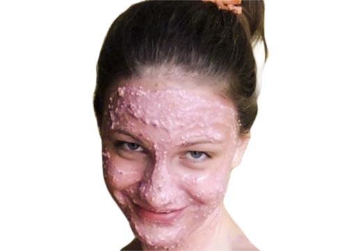 5 масок з чорної смородини допоможуть зберегти молодість і очистити обличчя