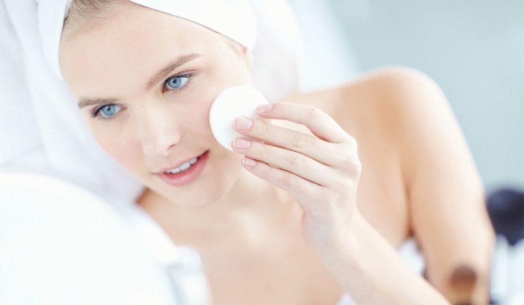 6 найбільш підходящих гелів за типом шкіри для вмивання
