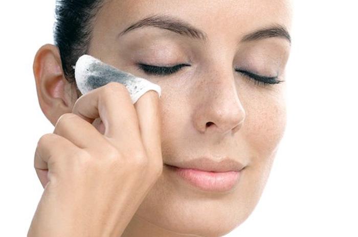 6 порад допоможуть зберегти шкіру від прищів в зрілому віці