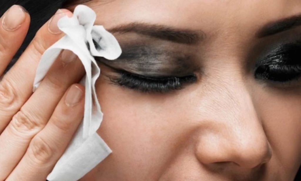 9 звичок зістарять шкіру швидше – забудьте їх