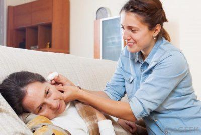 Борна кислота при отиті і болі у вусі