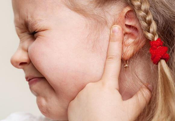Буллзный отит причини розвитку хвороби і способи лікування