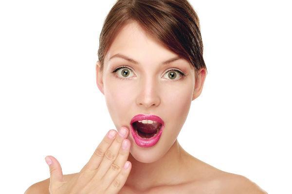 чи від зуба боліти горло. Що робити, якщо з-за зуба болить горло