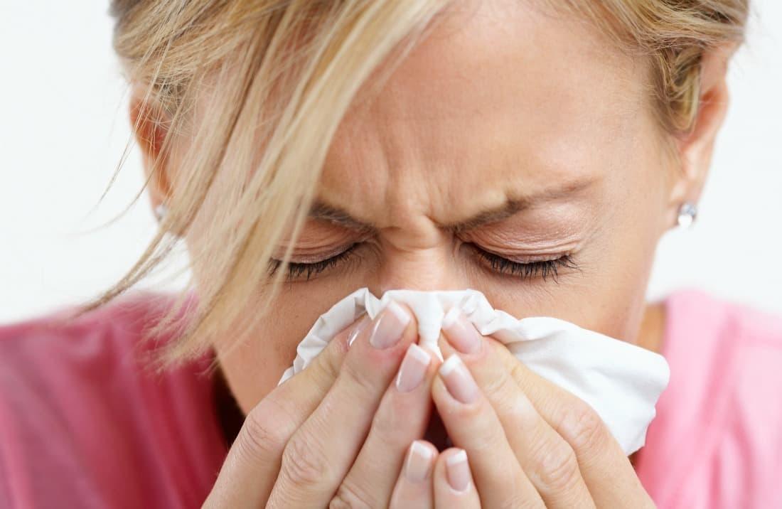Чим краще промивати ніс при нежиті