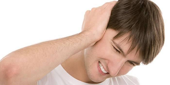 Чим і як можна лікувати гнійний отит