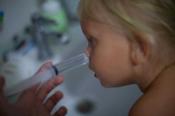 Чому можна промивати ніс дитині при нежиті та інших недугах