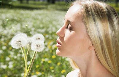 Чому у вагітних жінок виникає алергічний риніт