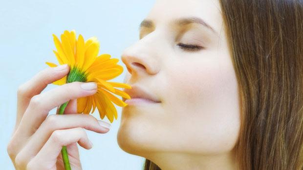 Чому в носі пахне аміаком
