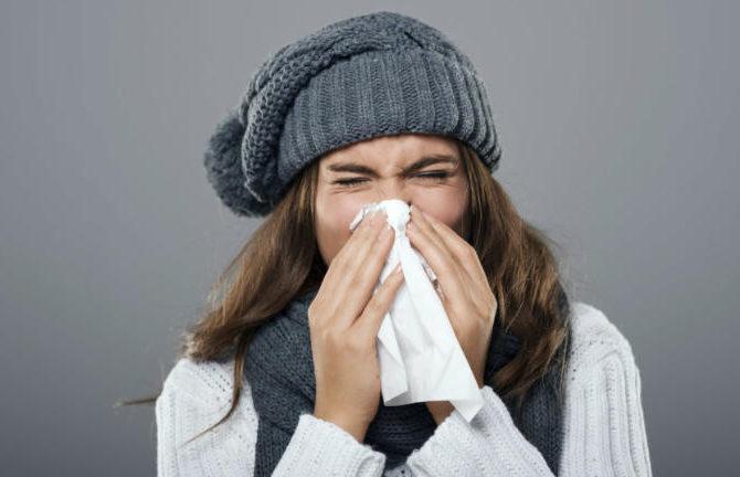 Чому закладений ніс і болить горло