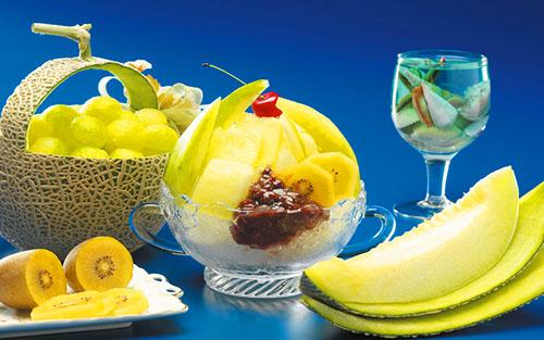 Диня це ягода або фрукт користь і шкода для організму як вибрати