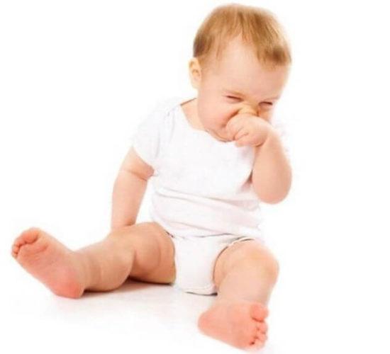 Дитина фиркає. Дитина постійно шморгає носом