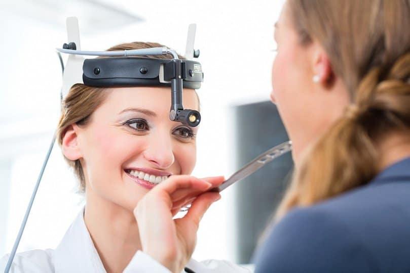 Доброякісні пухлини голосових складок. Як лікувати фіброму на голосових зв'язках Операція з видалення фіброми голосових зв'язок