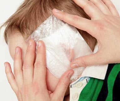 Двосторонній отит у дітей: лікування та симптоми