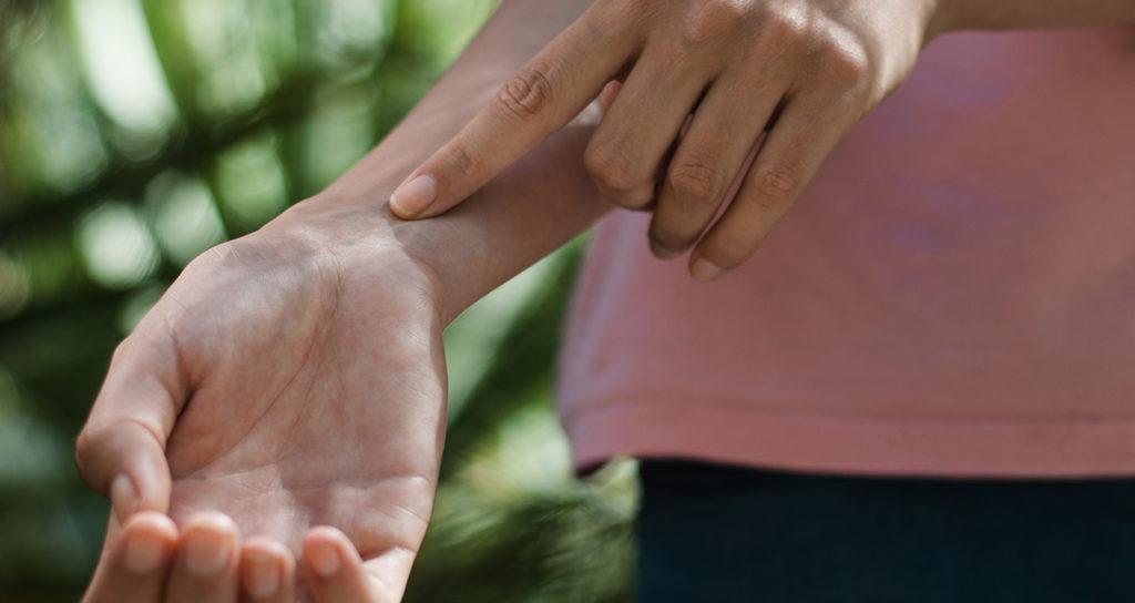 Ефективність масла ірису для шкіри, поради по застосуванню