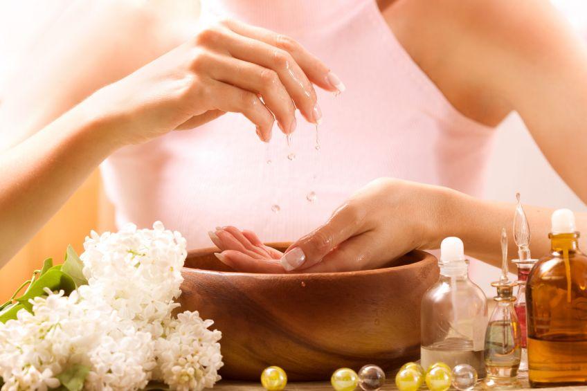 Ефективні ванночки для догляду за руками