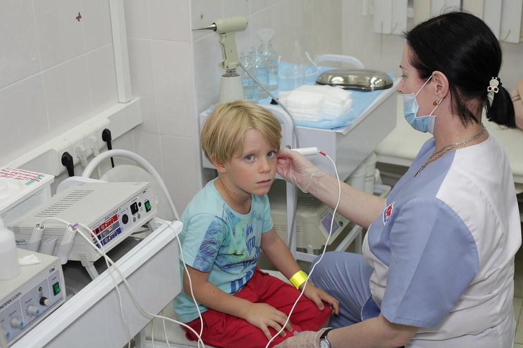Гострий отит у дітей симптоми і лікування