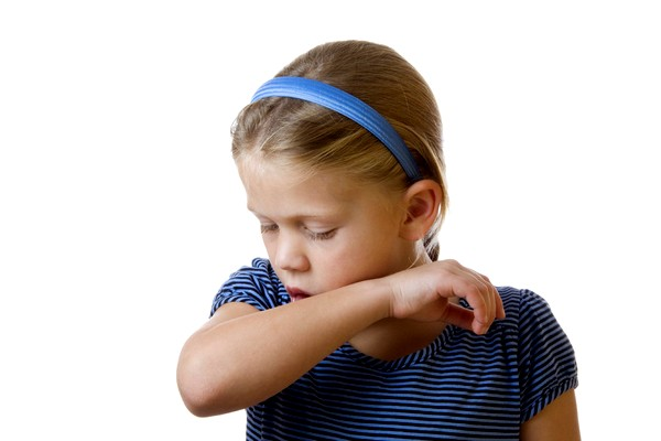 Кашель зі свистом у дитини причини