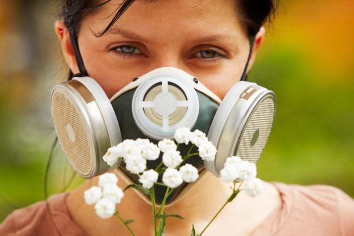 Краплі в ніс від алергії: список спреїв для дітей і дорослих