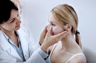 Лікування поліпів у носі без операції – найкращі методи їх видалення 2019