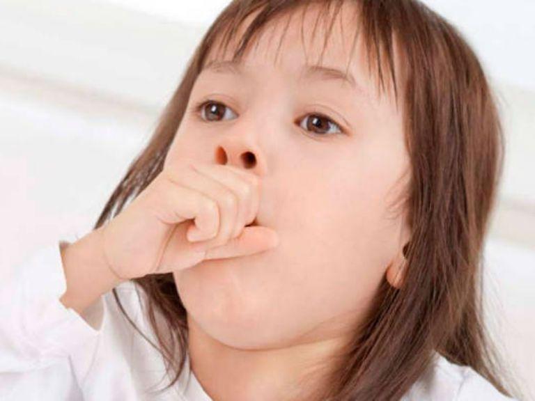 Лікування сильного гавкаючого кашлю у дитини
