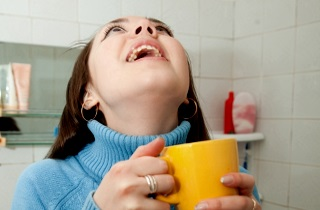 Лікувати кашель народними засобами у дорослих