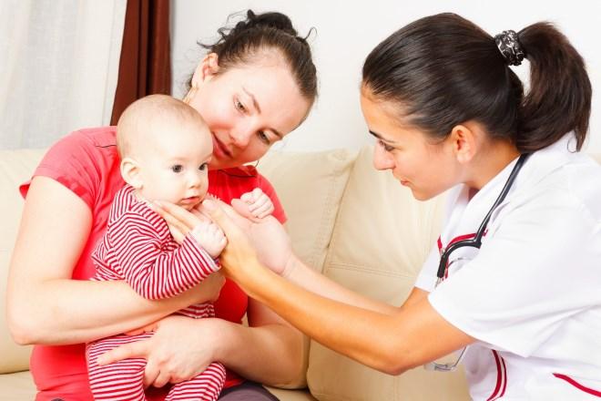 Лімфовузол на шиї у дитини: причини, симптоми і лікування