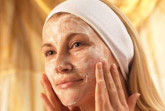 Маски з сметани для обличчя від прищів та інших проблем зі шкірою