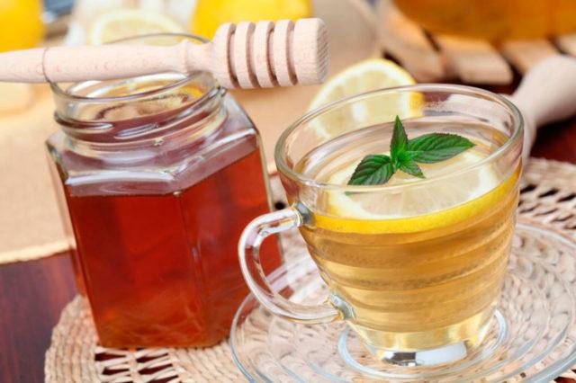 Мед з лимоном від кашлю: рецепти