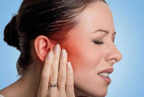 Чи можна гріти синьою лампою вухо при отиті: як гріти