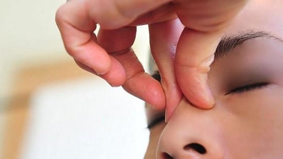 Нежить при вагітності. Способи лікування закладеності носа