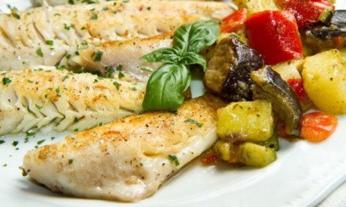 Риба при панкреатиті: яку можна (сорти), рецепти, солона, запечена, суфле, варена, котлети, сушена