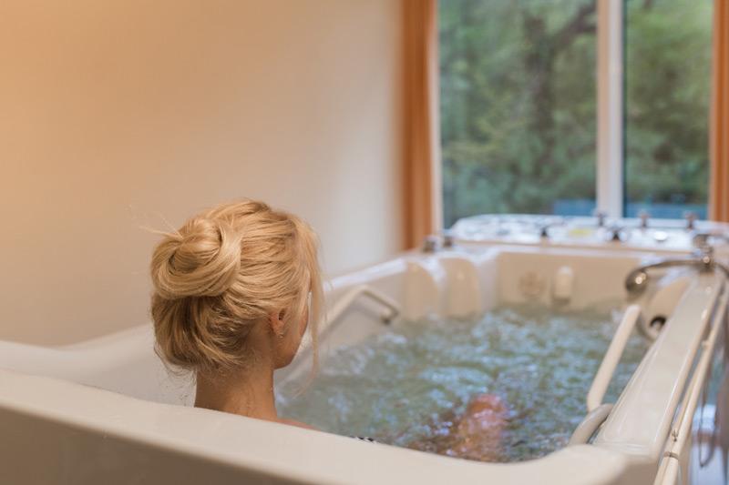 Робимо прийняття ванни ще корисніше – 4 простих методу