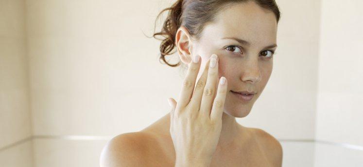 Які маски підходять для молодої шкіри обличчя до 25 років – 4 рецепта