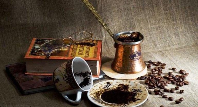 Як можна використовувати мелену каву у догляді за шкірою + 3 маски