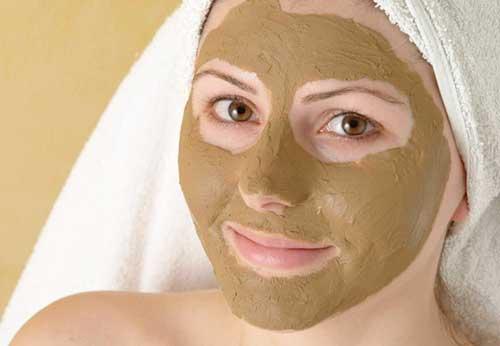 Як застосовується бадяга від прищів на обличчі